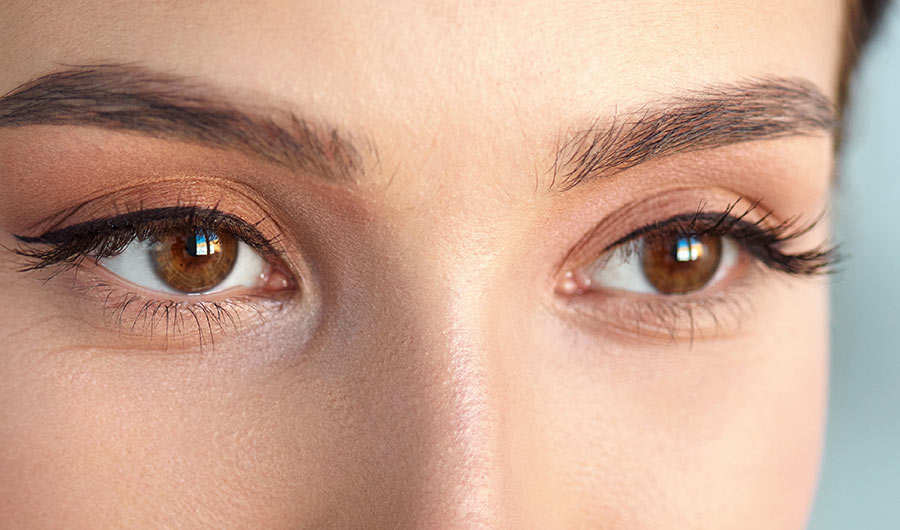 simply-learn-classic-lashes-eyes
